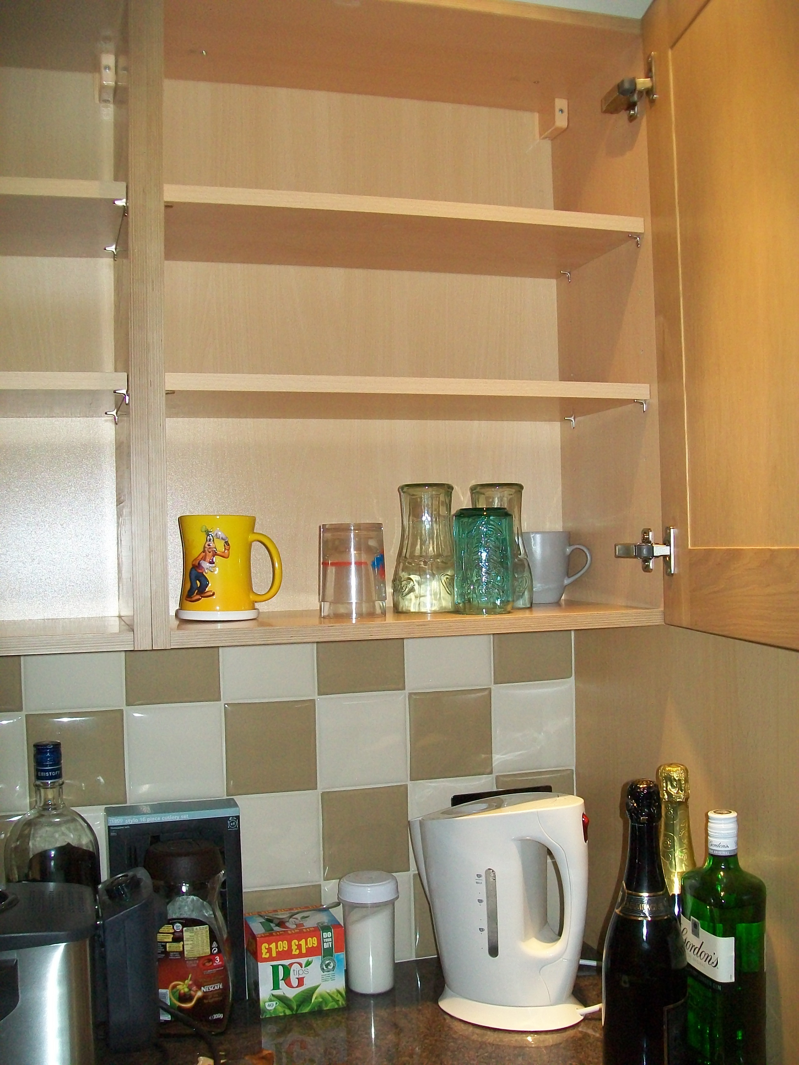 Your Fit 'n Healthy Kitchen Part 1: Clear Out Your Cupboards