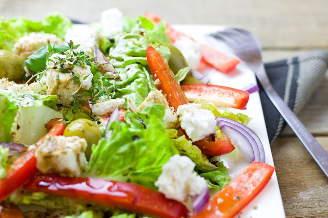 Feta Salad with strawberries and walnuts (targets belly fat)